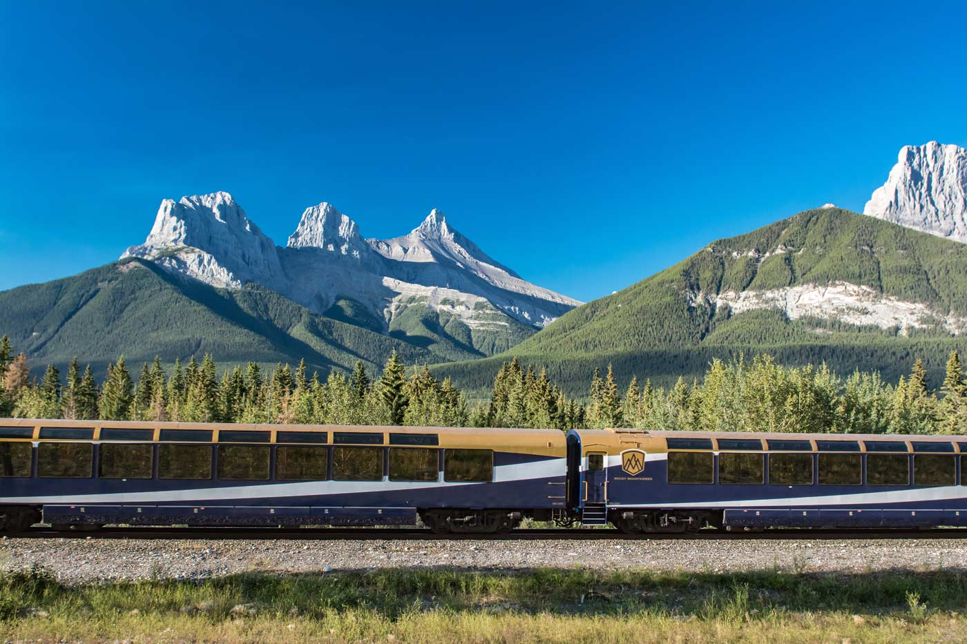 Rocky-Mountaineer-Mountains